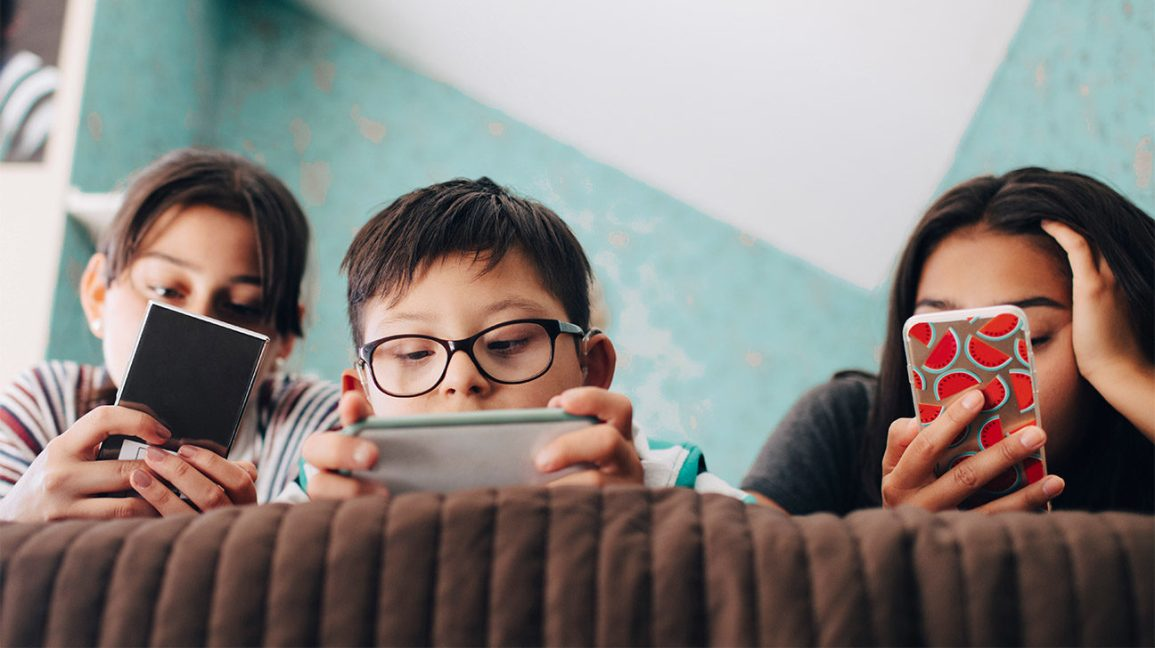 More Teens Need Prescription Glasses. Is Excessive Screen Time to Blame?