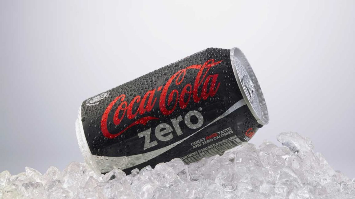 can of coke zero on ice