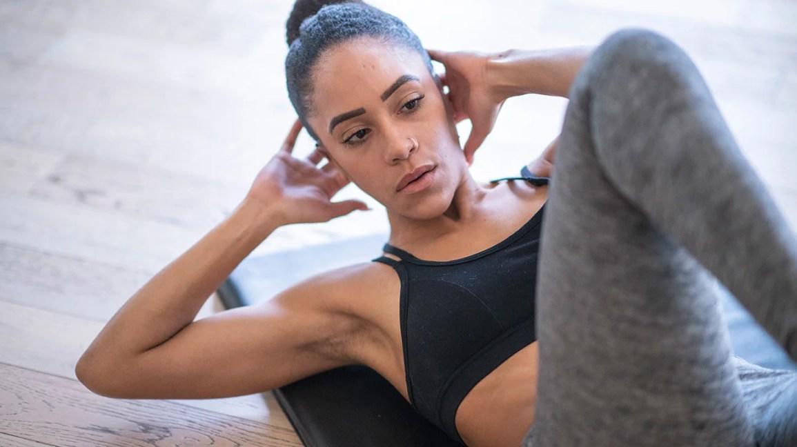 Как да правим хрускане и други упражнения за тонизиран абс..