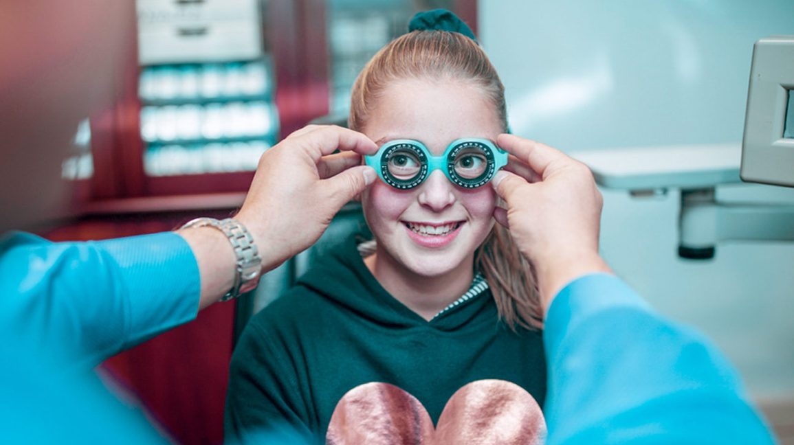 Optometrist vs. Ophthalmologist: Choosing Your Eye Care Provider