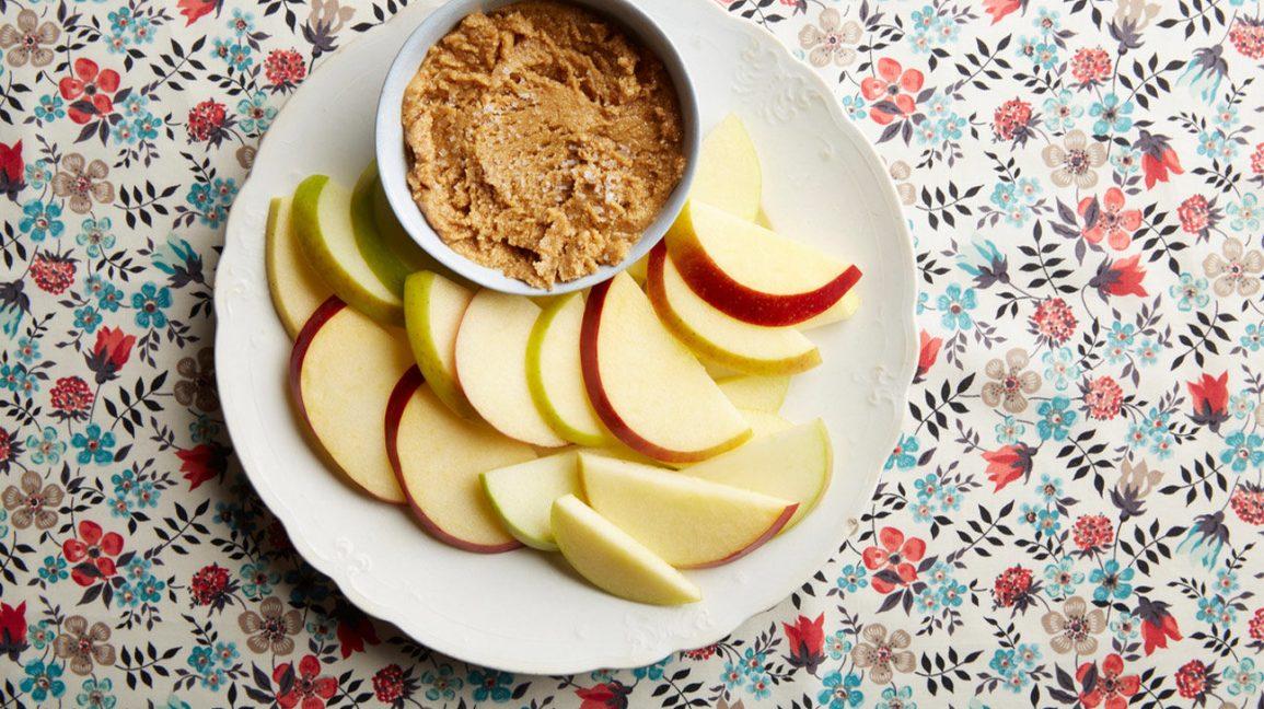 Apple with cashew butter snack