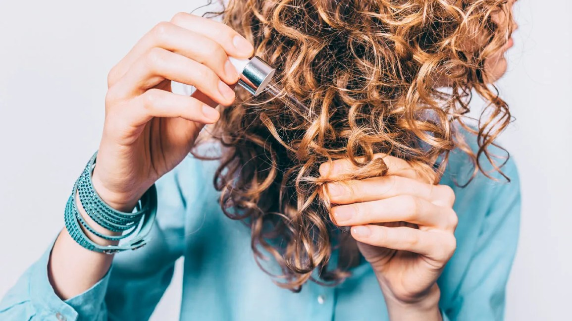 5 Frizzy Hair Home Remedies, Plus Products and Prevention Tips