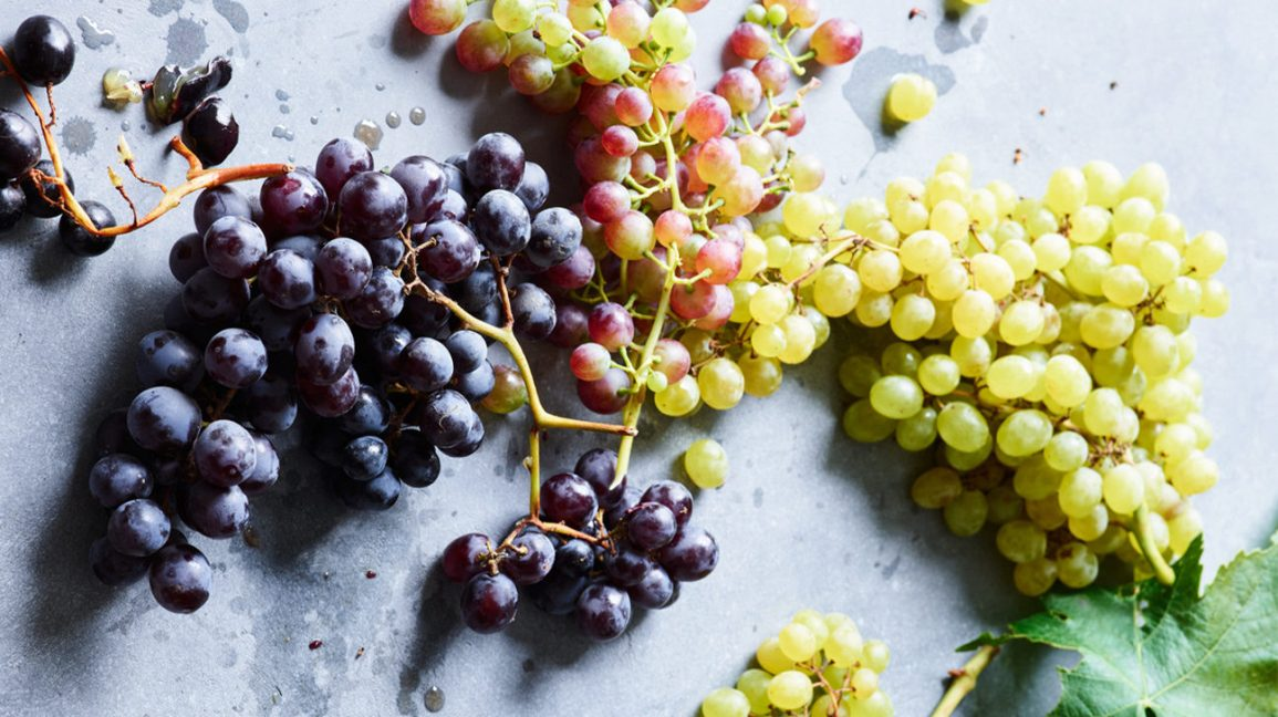 Different types of grapes