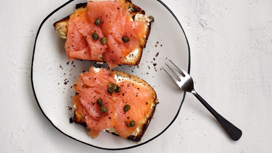 smoked salmon on toast with cream cheese and capers