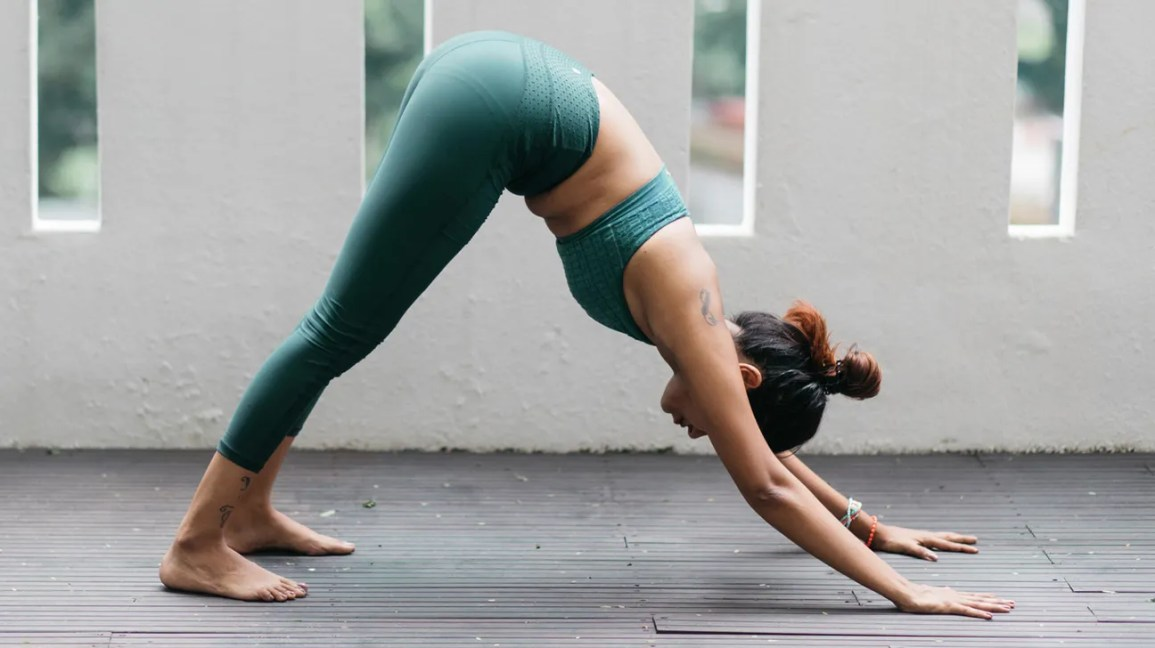 18 Morning Yoga Poses: Beginner, Intermediate & Advanced Routines