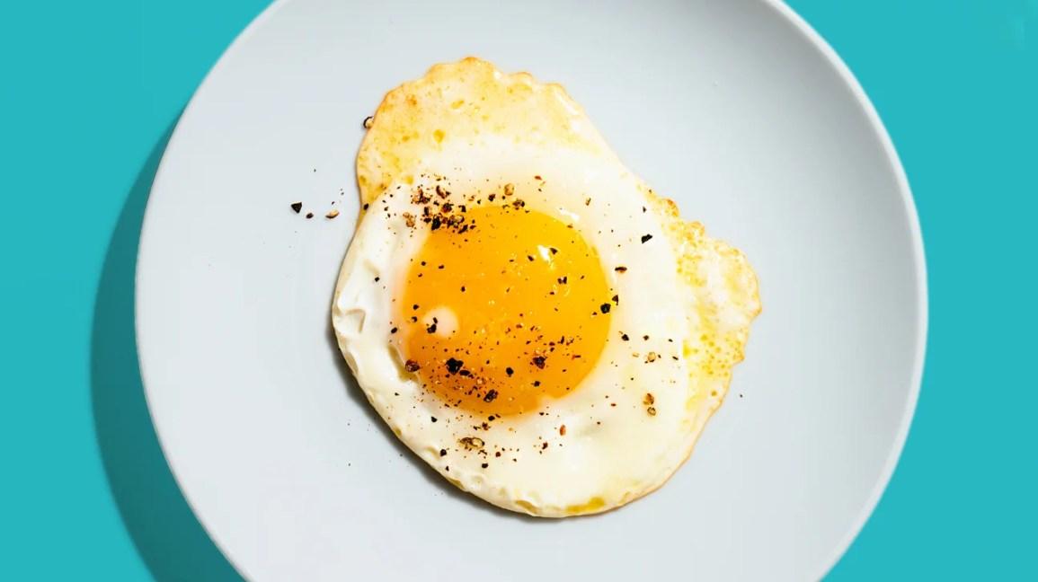 Fried whole egg