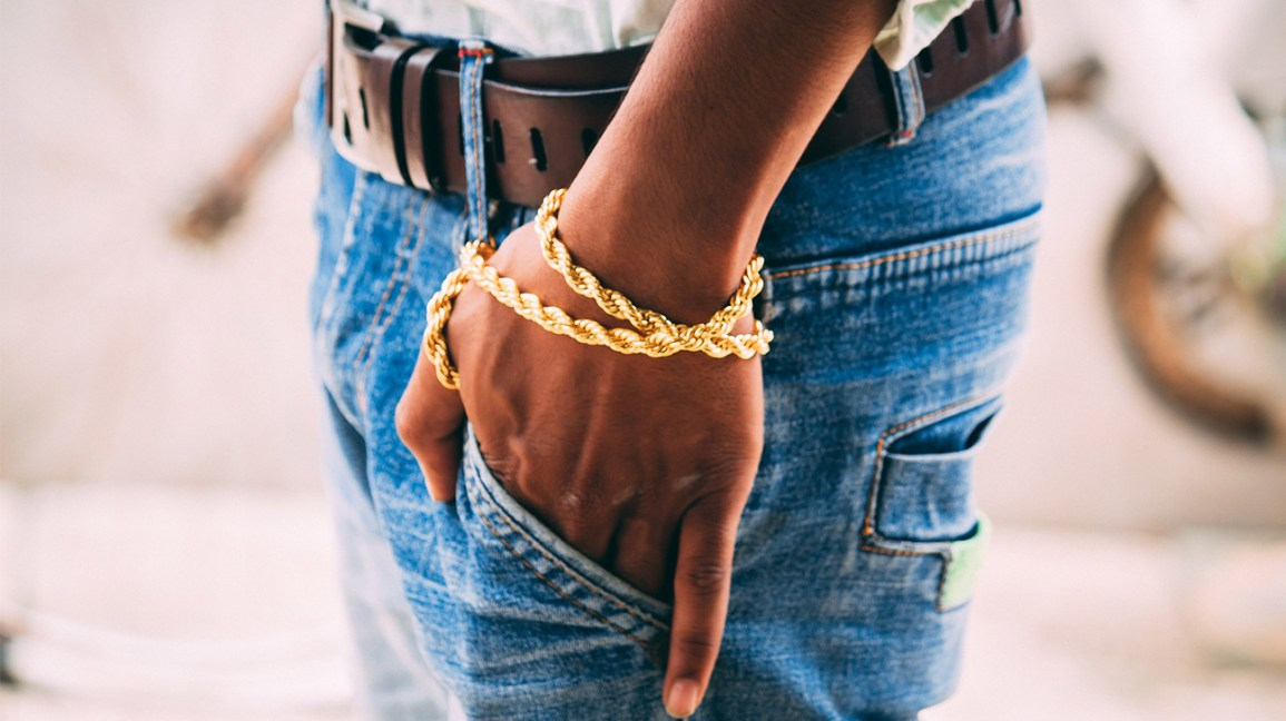 a gold chain worn around the wrist can be the location of a gold allergy reaction