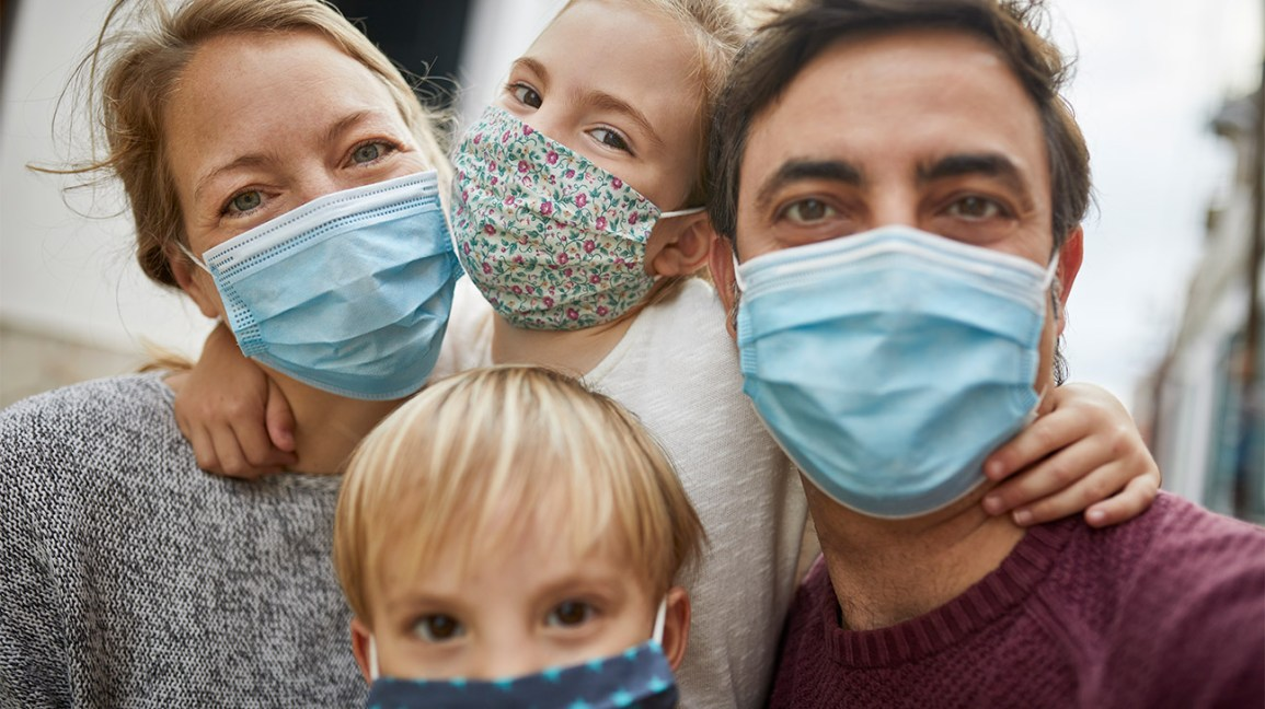 No, Face Masks Can't Cause CO2 Poisoning