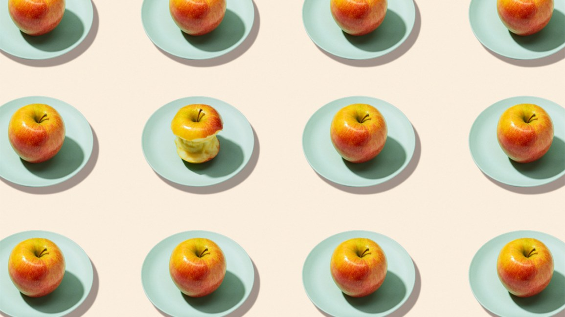 Plates with apples