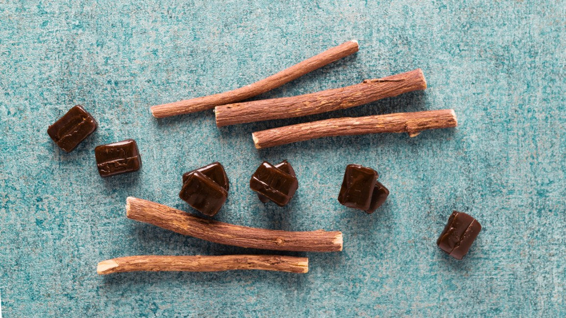 Licorice Root: Benefits, Uses, Precautions, and Dosage