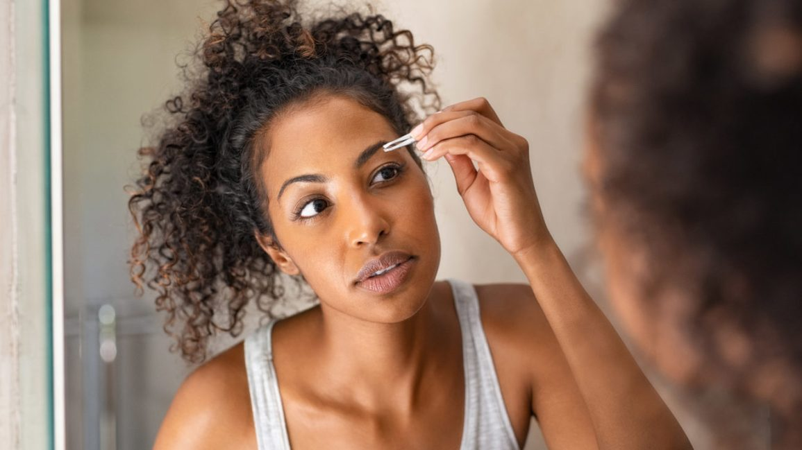 Plucking Hair: Best Locations & Safety Tips