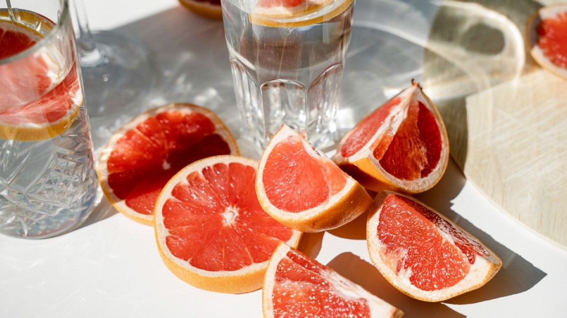 what does the grapefruit diet consist of