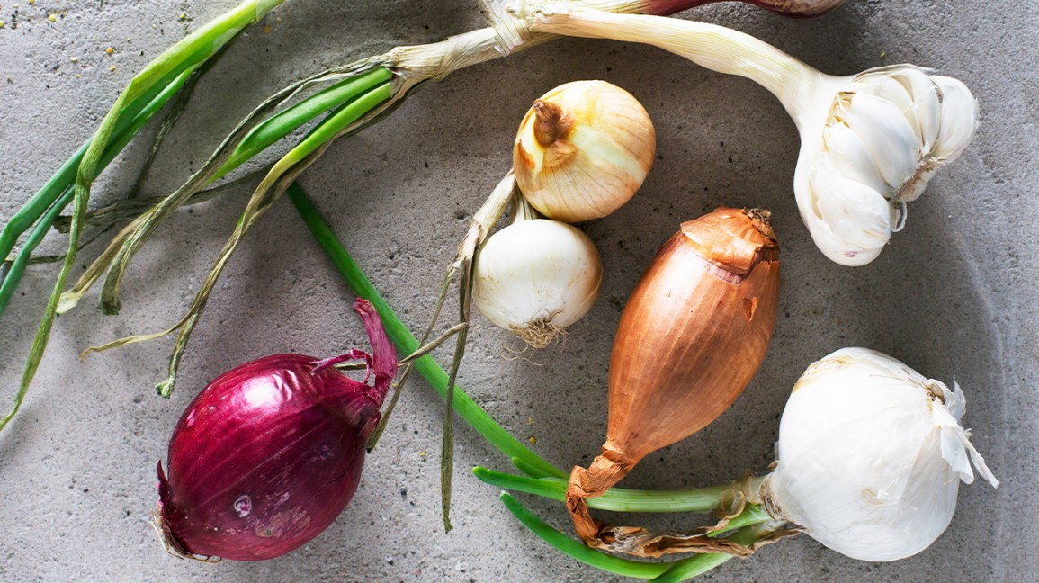 raw onions and garlic