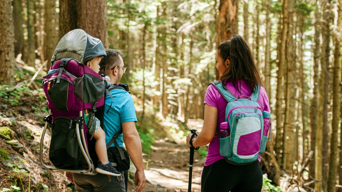 Family hiking to help lose baby weight