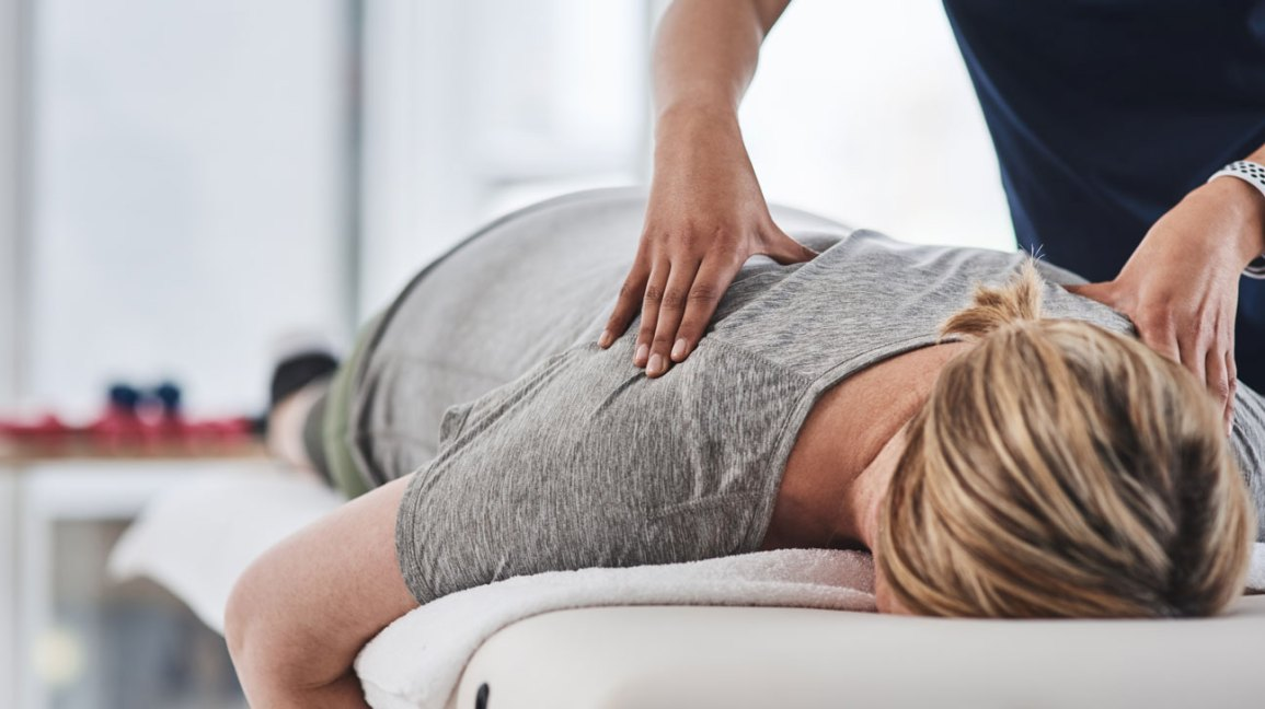 5 Acupressure Points for Gas, Bloating, and Stomach Pain
