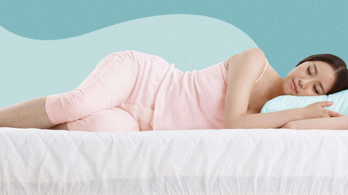 Mulher dormindo de lado