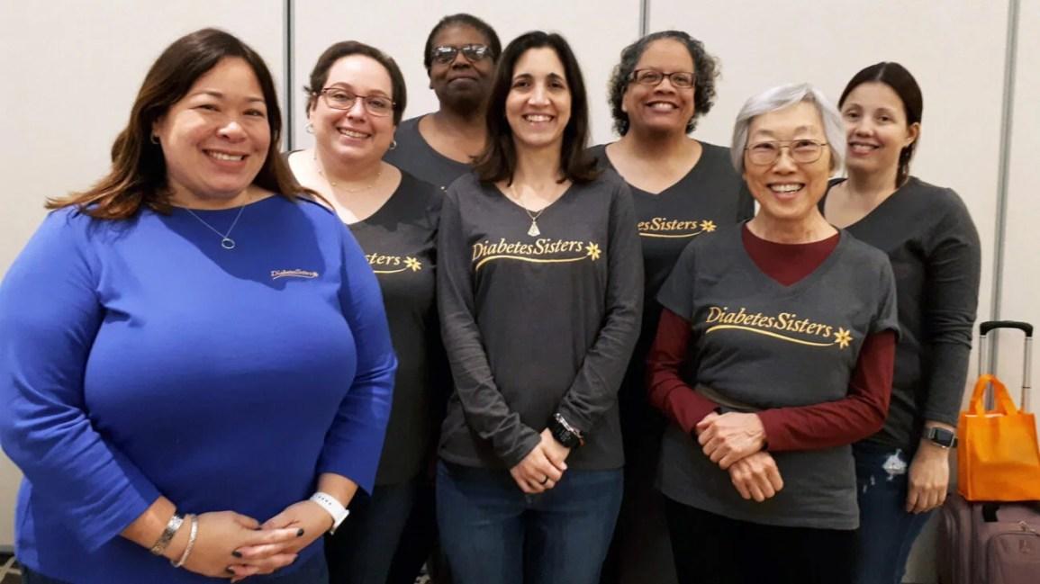 A CEO da DiabetesSisters, Anna Norton, com um grupo de membros