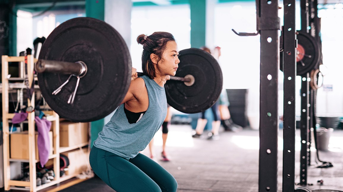 Powerlifting vs. Bodybuilding: Differences, Pros, and Cons