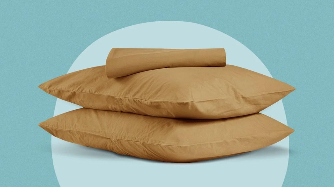 Üst üste iki yastık
