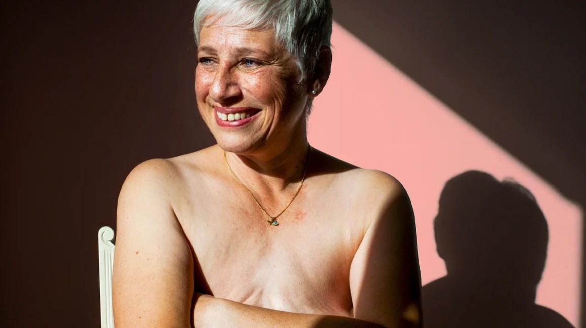 mulher que fez mastectomia