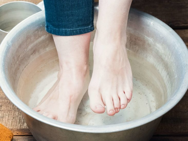 How To Remove Dry Skin From The Feet 5 Ways And Prevention