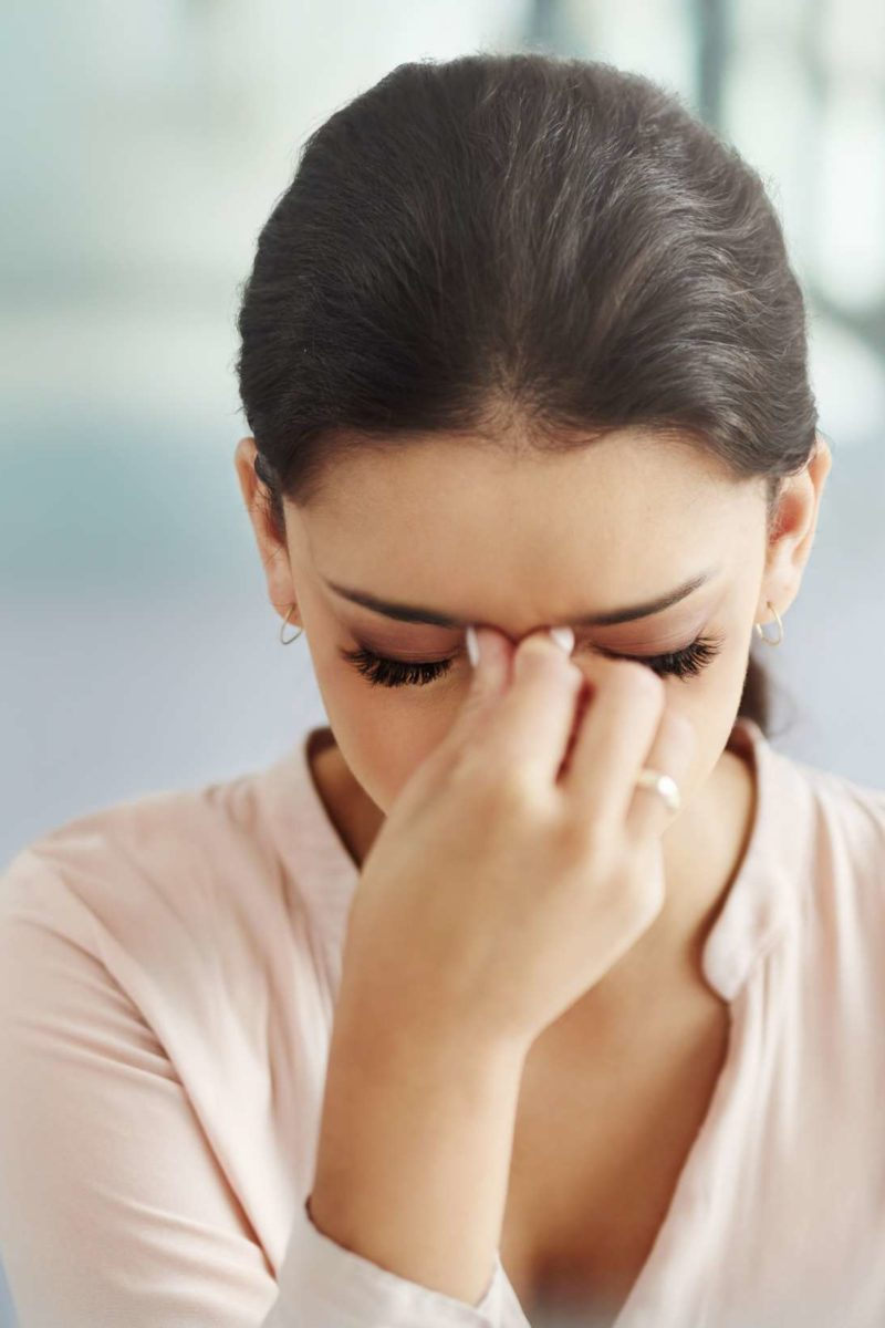 Blurred vision and headache: 5 possible causes