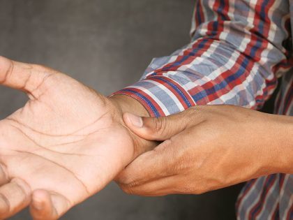 What to know about a pinched nerve in the arm