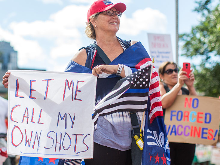 Anti-vaxxers protesting in the USA.