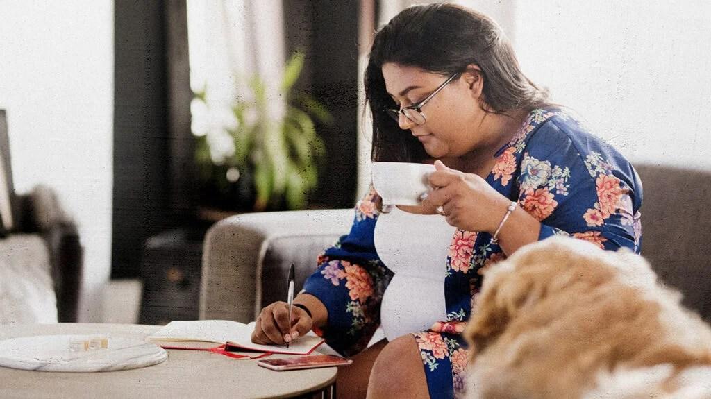喝茶的女人记在日记里