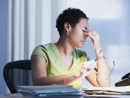 How long do migraine attacks last? Duration, symptoms, and what to do