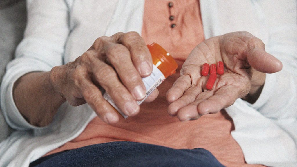 Parkinson's treatment: Medication, therapy, alternative remedies