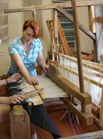 Пастаўскі Дом рамёстваў «Стары млын» -ткуць, плятуць, вышываюць, распісваюць…
