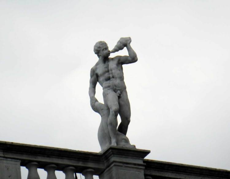 S-Marco-square-detail