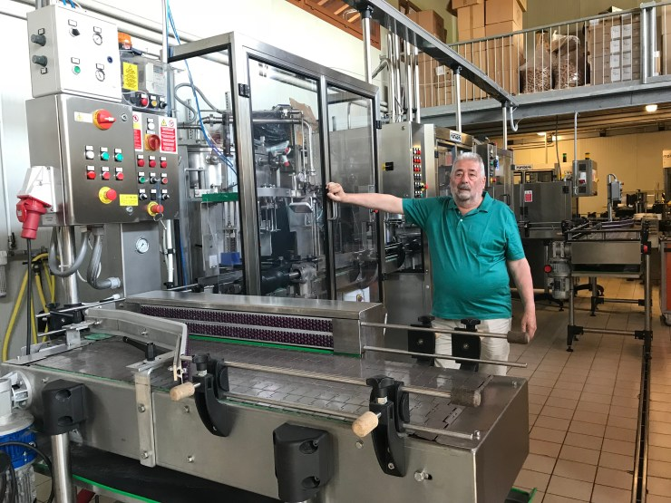 Roccat winery bottling machine