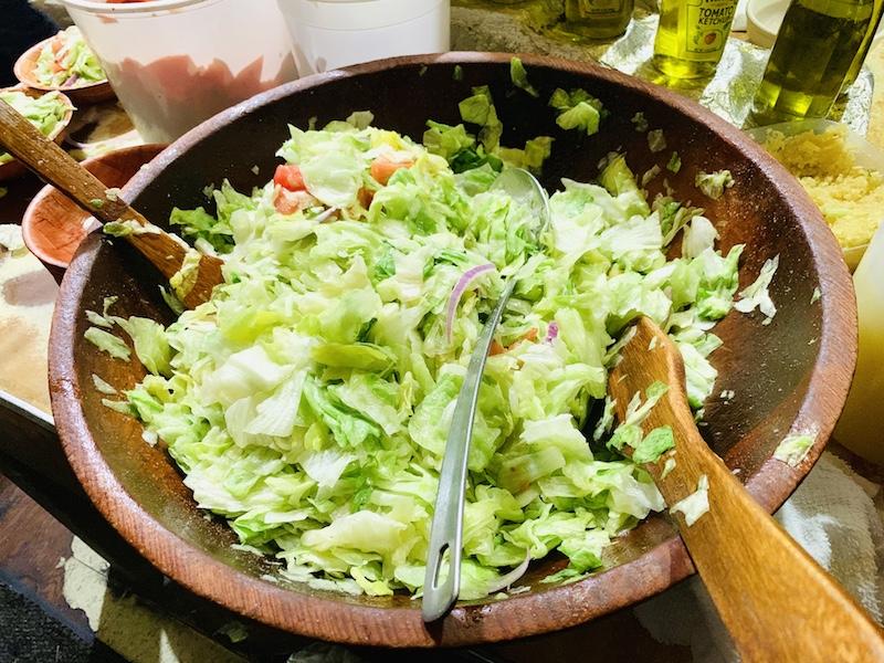 Doe's Eat Place salad