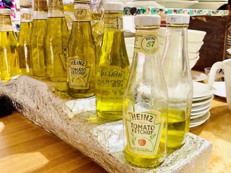 Doe's Eat Place salad oil