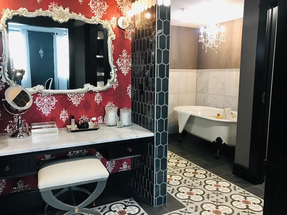pioneer woman boarding house hotel boudoir bathroom vanity