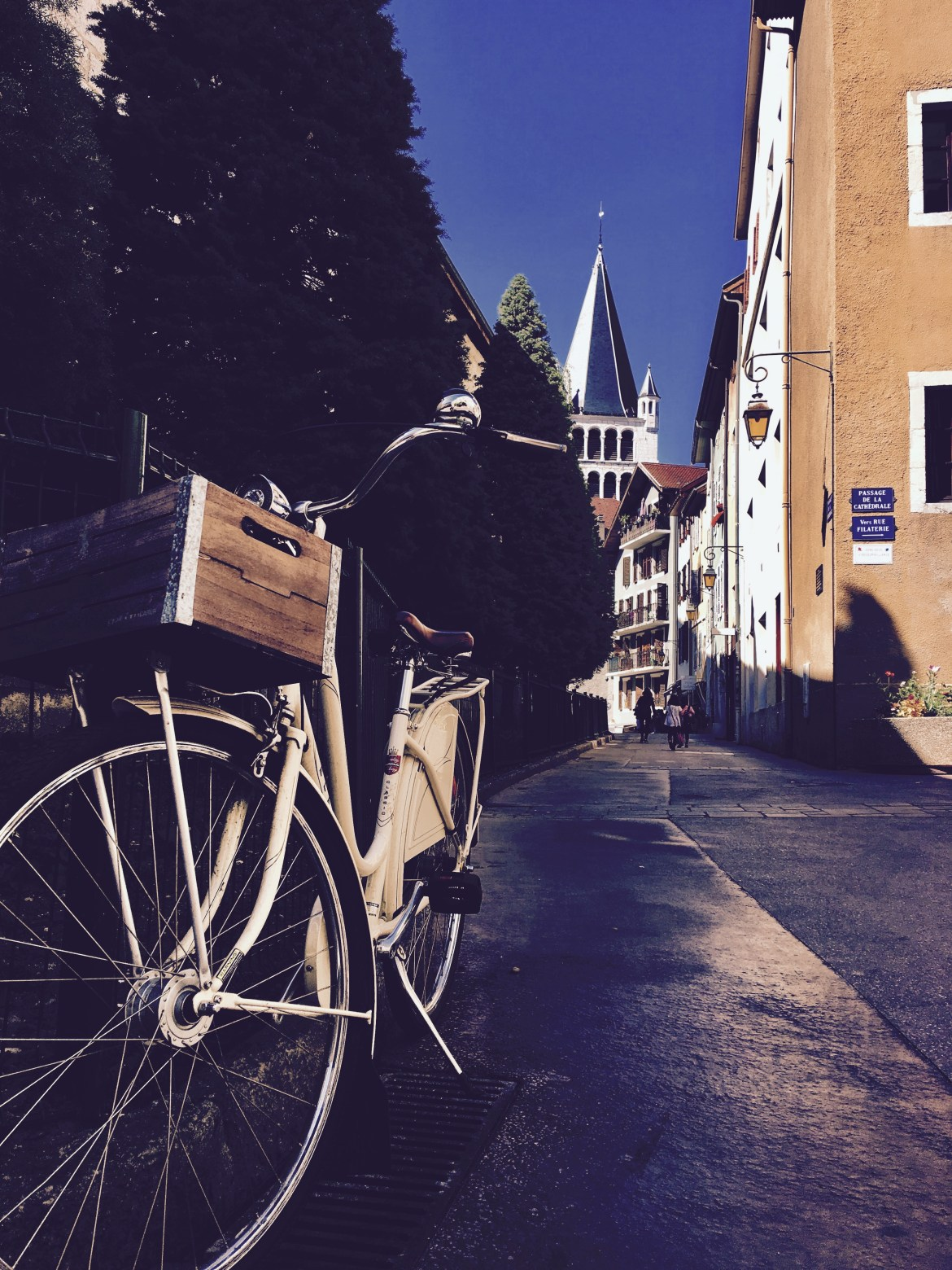 36 Romantic Hours in Annecy, France