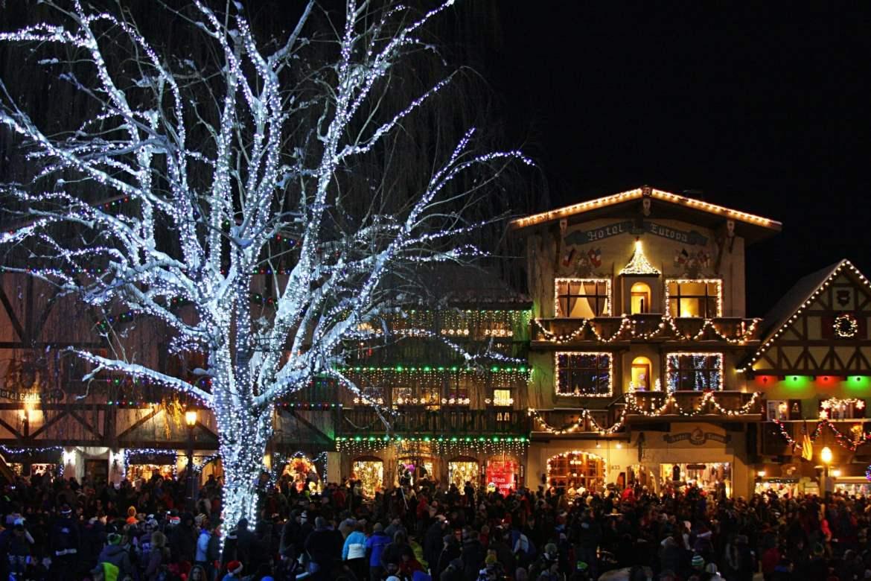 Christmas Vacation for Families Leavenworth Washington USA.jpg
