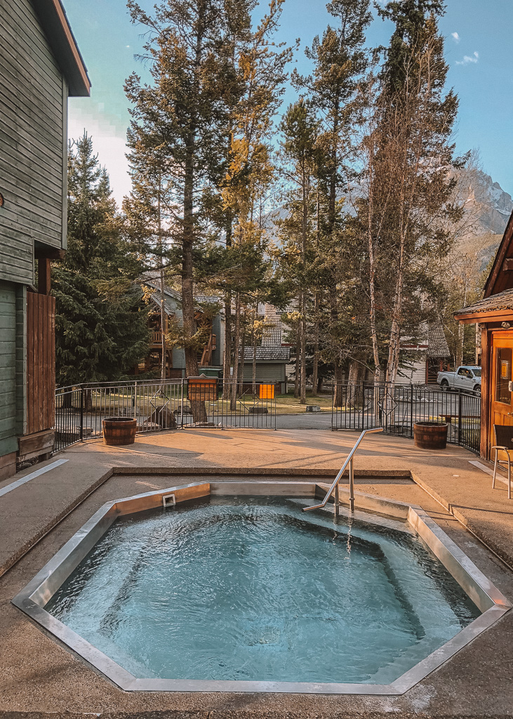 Plunge Pool at Mountain Buffalo Lodge, Banff