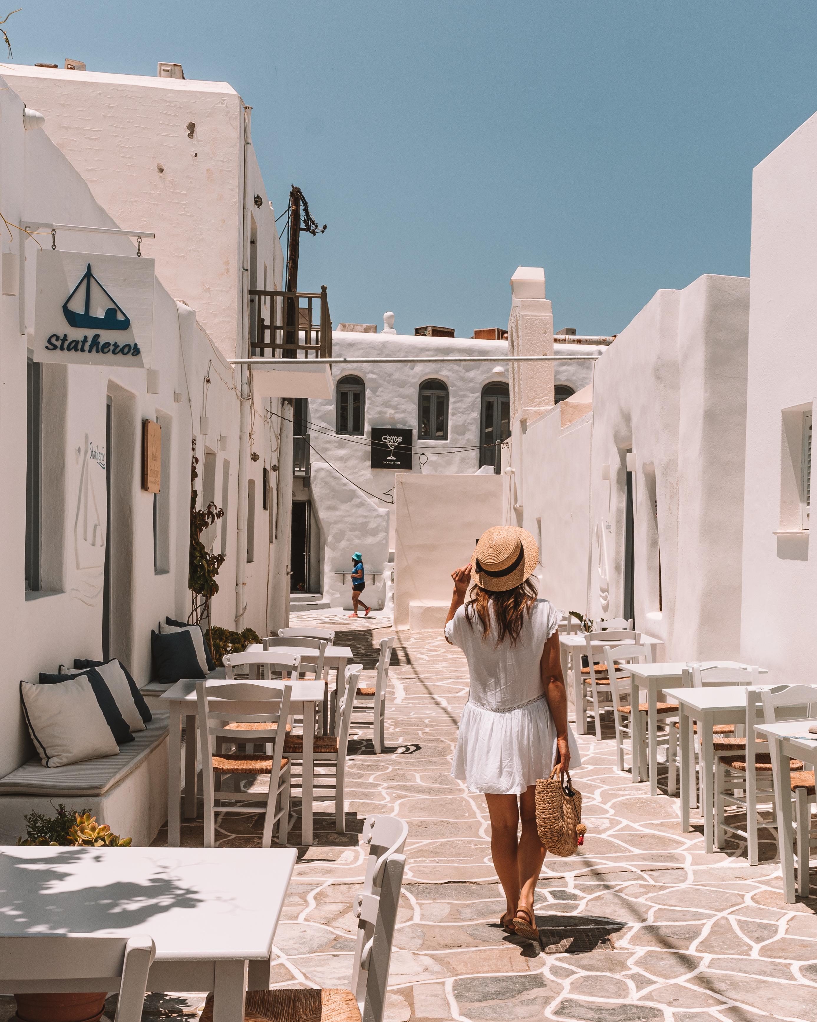 Paros: Naousa Vs Parikia: Where should I stay?