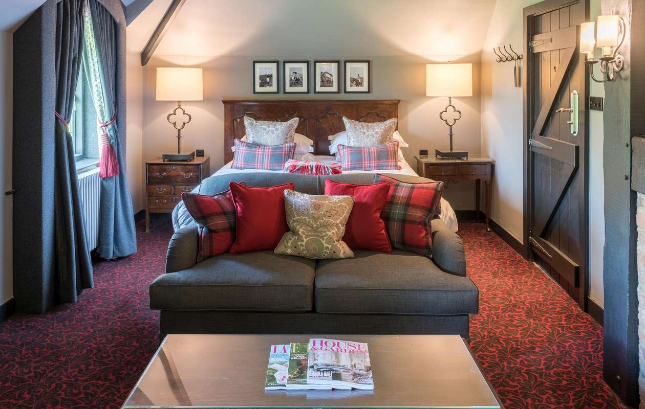 Dog-Friendly Hotels in the Cotswolds | Lygon Arms