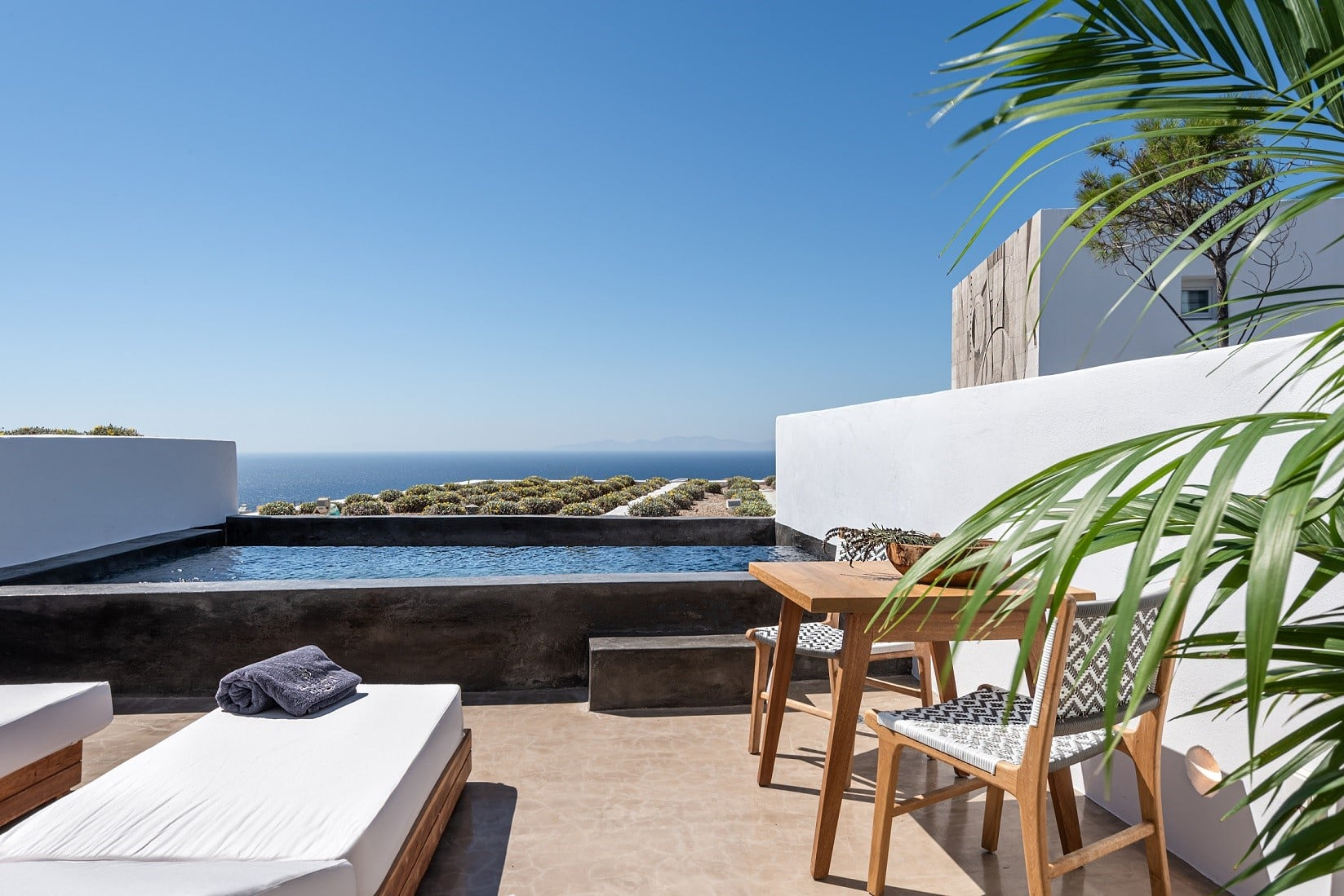 best_hotel_views_in_santorini_andonis_arcadia
