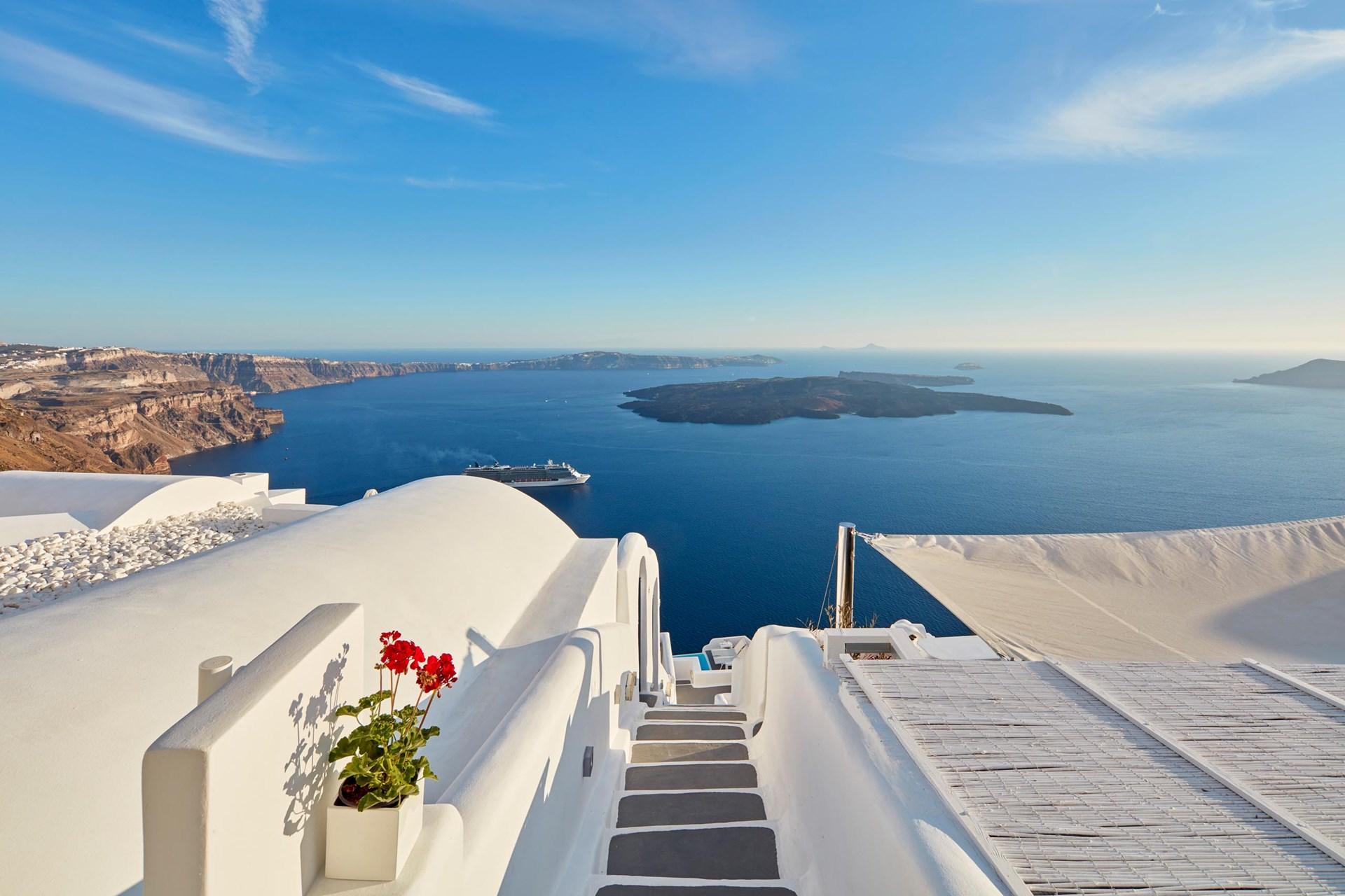 best_hotel_views_in_santorini_chromata