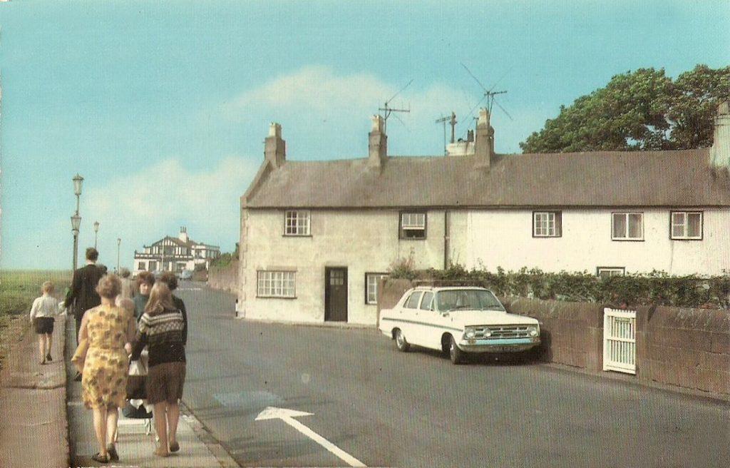 Postcard a Vauxhall Victor