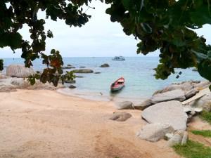 Simple Life Resort, Beach