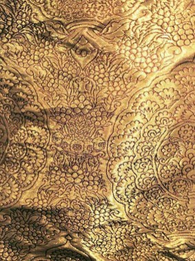 Cloth of Gold reconstruction: Original was red silk lampas brocaded with silver-gilt lamella thread, North Italy, c1400-1440