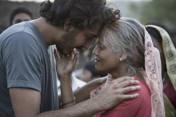 saroo-and-mum
