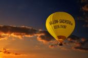 hot-air-balloon-hot-air-ballooning-sky-cloud-daytime-yellow-1418163-pxhere.com (1)