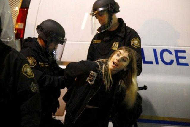 1478853856_portland-riots